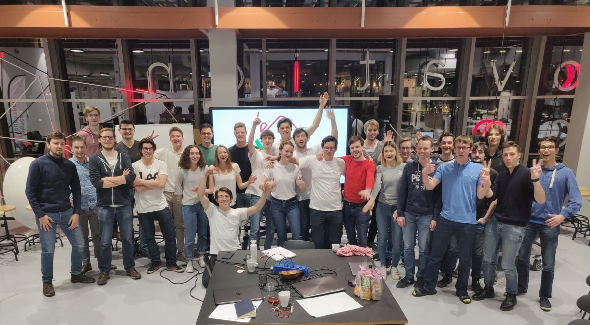 Group-foto-end-Hackaday