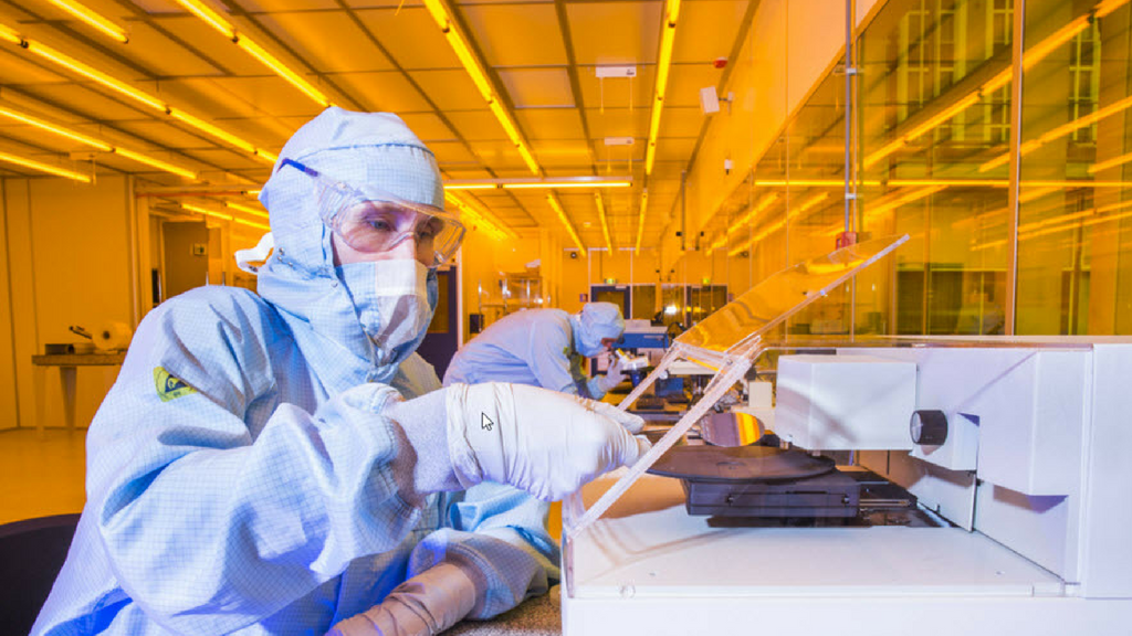 Photonic chips, the new revolution?