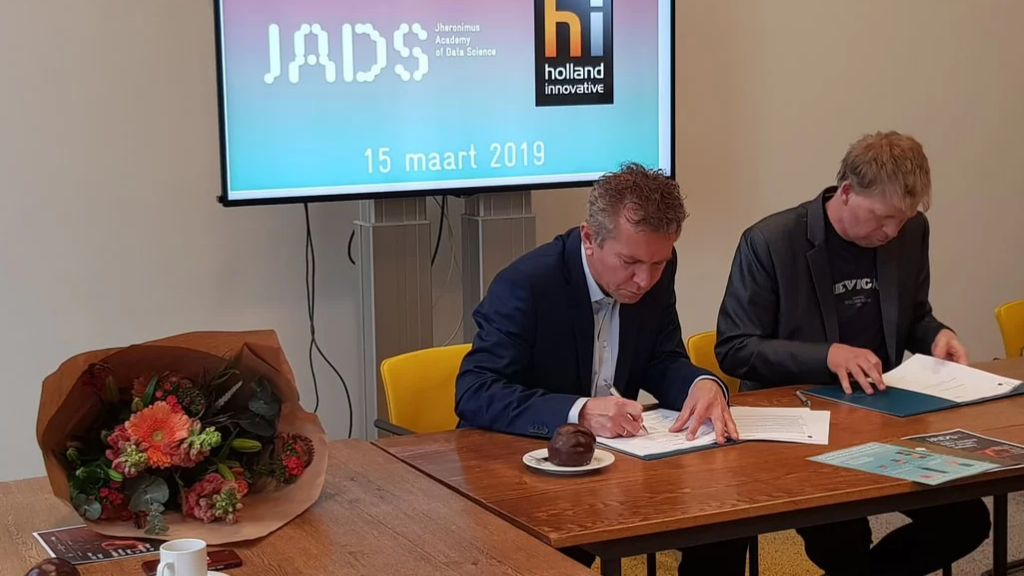 Holland Innovative and JADS join forces in data science training for professionals