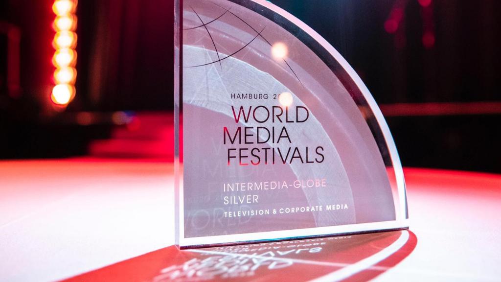 Docu Curious Tom over high tech in Eindhoven beloond met internationale award