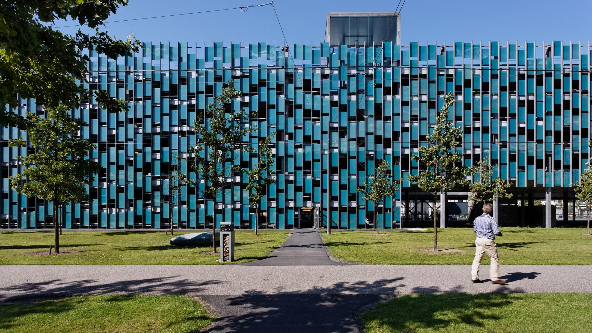 Parkeergarage_P0_High_Tech_Campus_Eindhoven.jpg