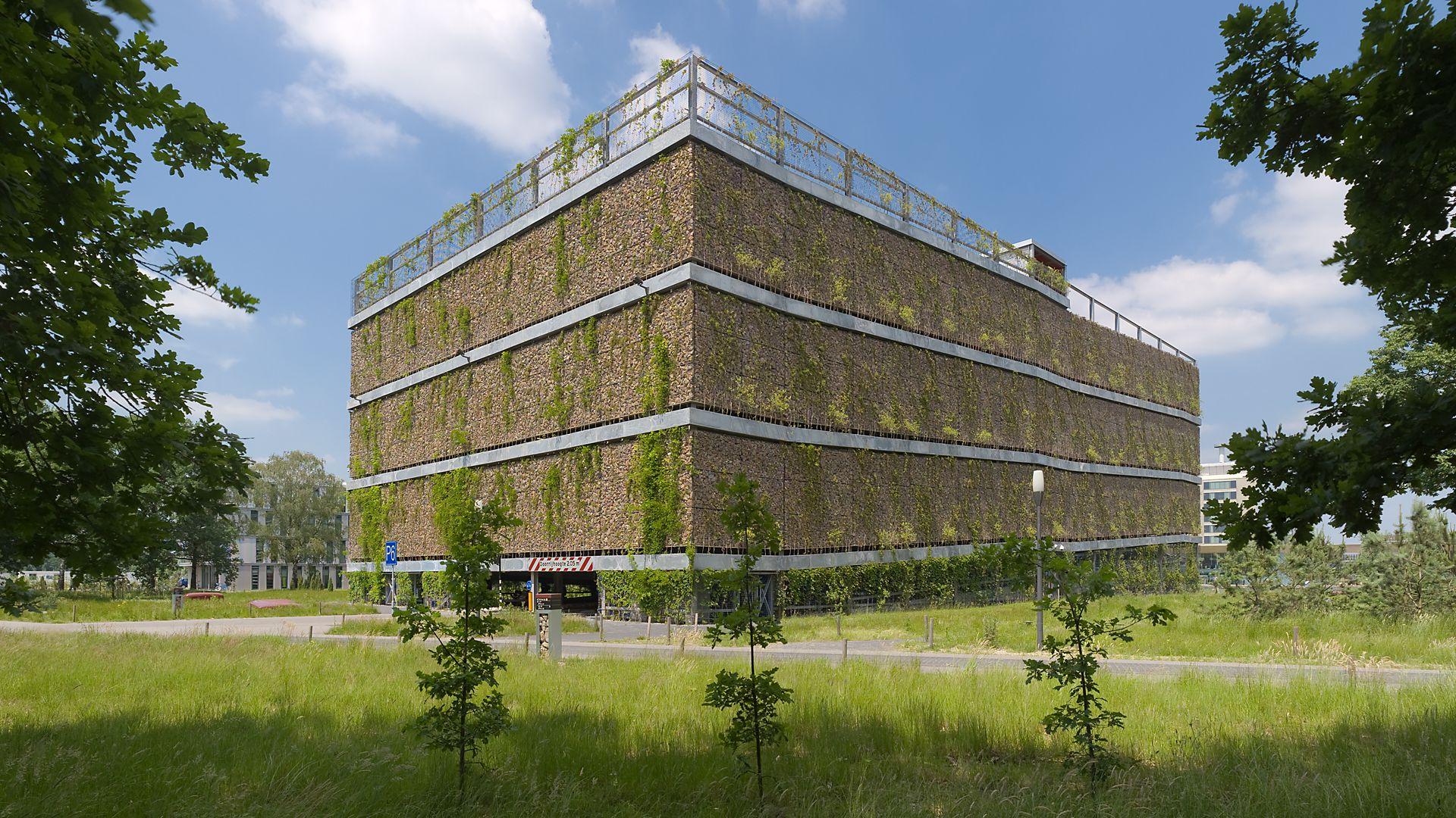 Parkeergarage_P6_High_Tech_Campus_Eindhoven.jpg